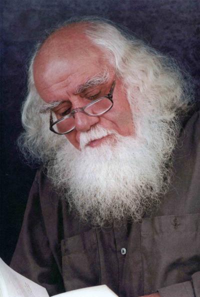 محمدرضا حکیمی حق التالیف «الحیات» را به مبارزان فلسطینی هدیه کرد