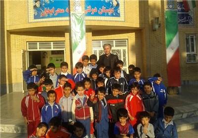 یک مدیر مدرسه ایرانی: دعا دعا می کردم برای شهریه کودکان افغان مدرسه ام فرجی شود